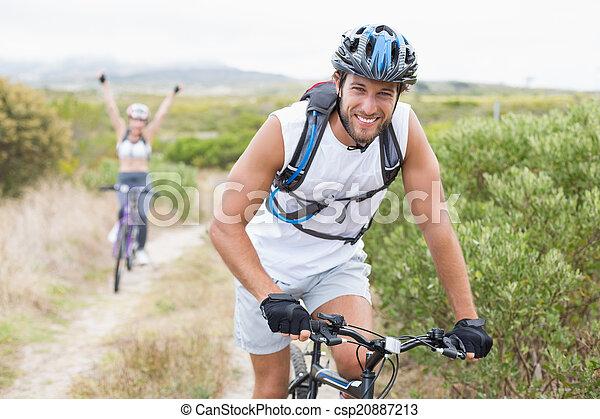 séduisant, couple, crise, cycle montagne, piste - csp20887213