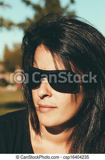 sério, mulher, morena, retrato - csp16404235