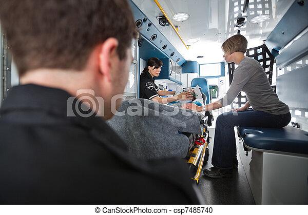 sênior, emergência médica, cuidado - csp7485740