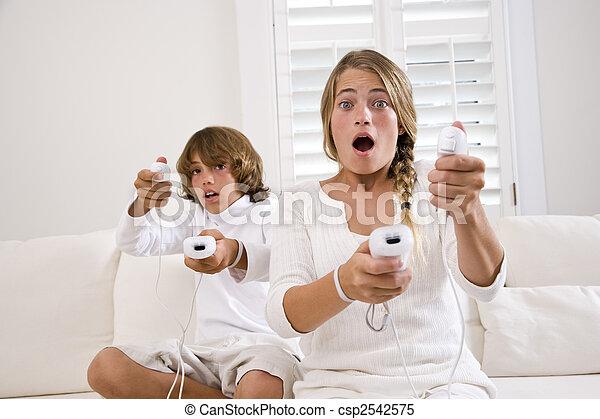 søster, sofa, boder, boldspil, video, hvid, spille - csp2542575