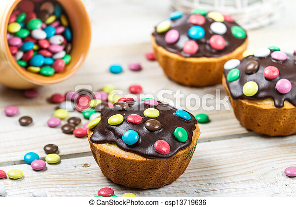 S igkeiten muffins dekorieren ostern - Muffins dekorieren ...
