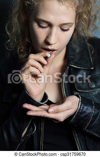 junge drogenabhangige nackt