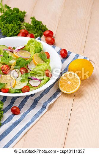 sałatkowa zieleń, swojski, roślina, świeży, stół. - csp48111337