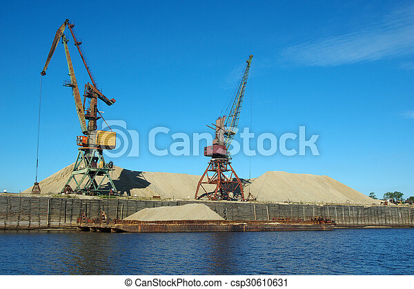 sable, chargement - csp30610631