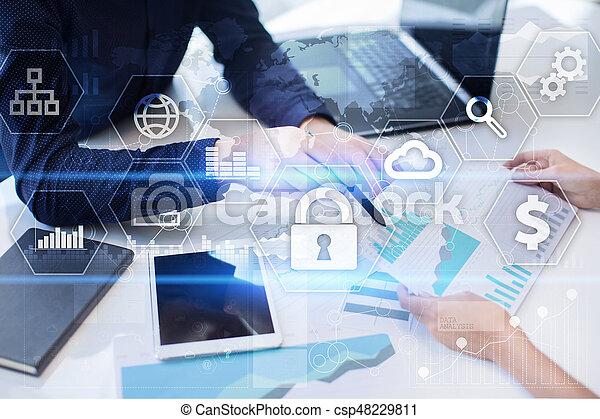 Seguridad cibernética, protección de datos, seguridad de información. El concepto de tecnología de Internet - csp48229811