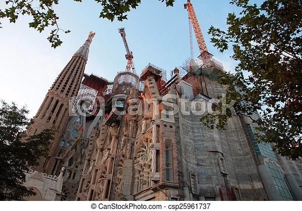 Sagrada Familia - csp25961737
