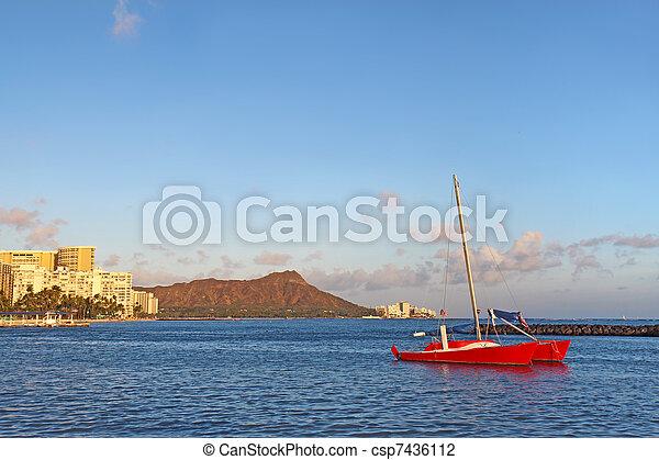 Sailboat, Waikiki beach and Diamond Head - csp7436112