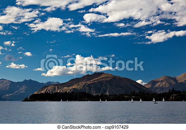 Sailing on Lake Wanaka - csp9107429