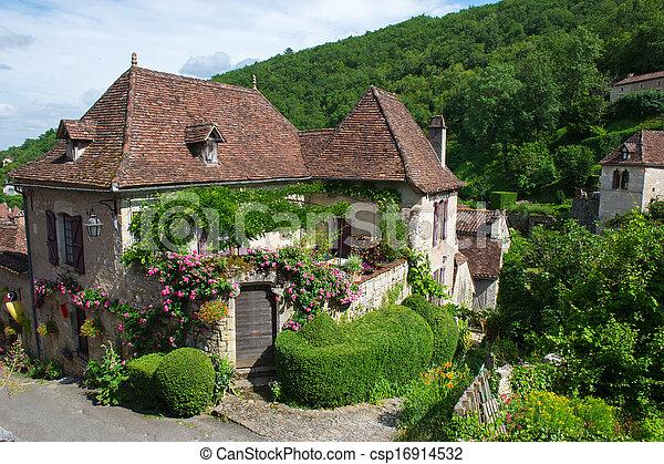 Saint-cirq-Lapopie - csp16914532