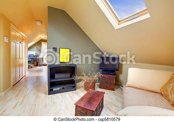 La sala de estar del ático con la luz del cielo y el pasillo - csp5810579