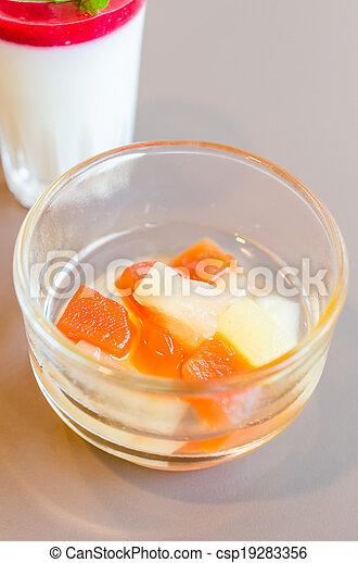 salada fruta - csp19283356