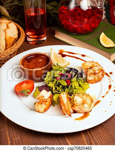salade, citron, crevettes, tomates, sauce, vert, grillé, plaque., blanc, trempette - csp70820465