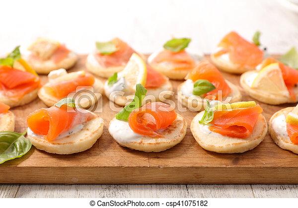 salmon canape - csp41075182