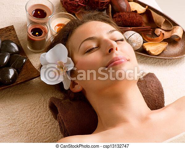 salon, femme, station thermale beauté - csp13132747