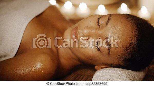 salon, lekki, młody, świeca, zdrój, dziewczyna - csp32353699