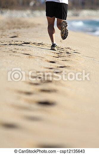sand, beine, sandstrand, rennender , mann - csp12135643
