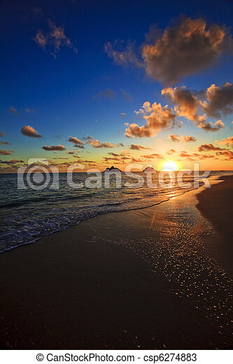 Pacific sunrise at lanikai beach, hawaii - csp6274883