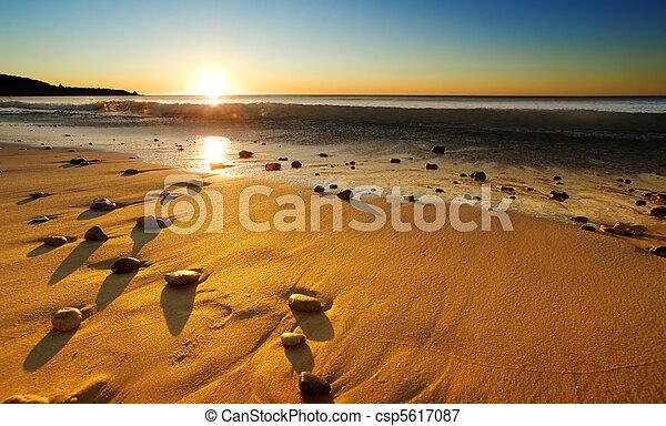 sandstrand, sonnenuntergang - csp5617087