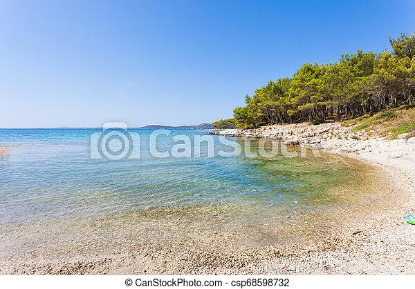 sandstrand, türkis, pakostane, besuchen, pakostane, -, kiefer, bucht, kroatien - csp68598732