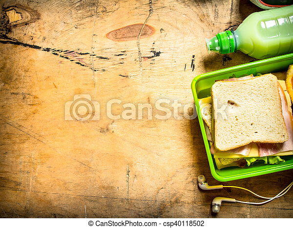 Sandwiches with ham and cheese - csp40118502
