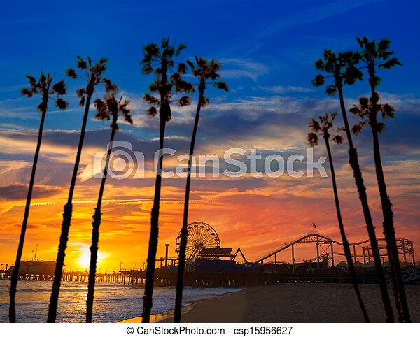 Santa Monica California sunset on Pier Ferrys wheel - csp15956627
