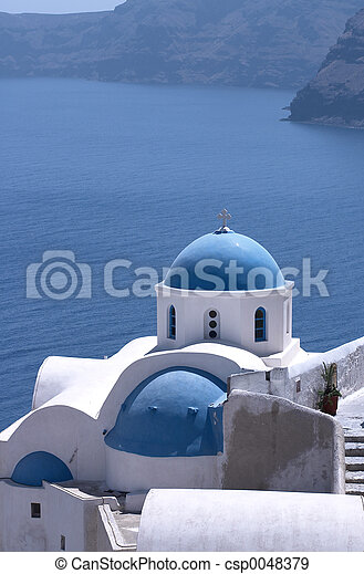 Santorini Churches 5 - csp0048379