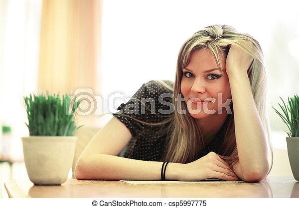 saudável, spa, jovem, bonito, relaxante, mulher, cafe. - csp5997775