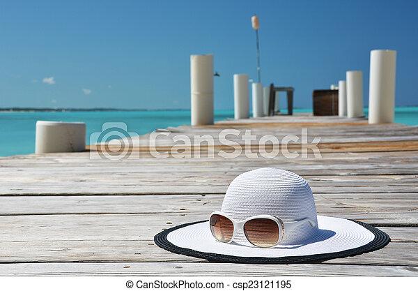 scène plage - csp23121195