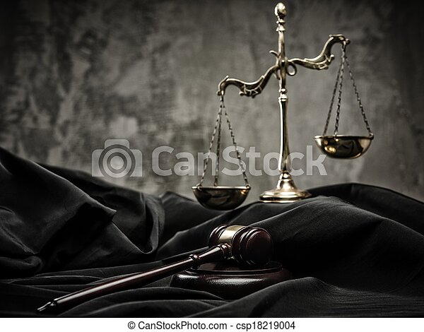 Scales and wooden hammer on judge's mantle  - csp18219004
