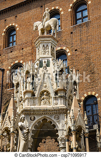 Scaliger Tombs, 14th century gothic funerary monument in Verona, Italy - csp71095917
