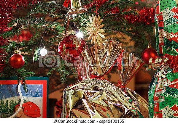 scatole, albero, regalo natale - csp12100155