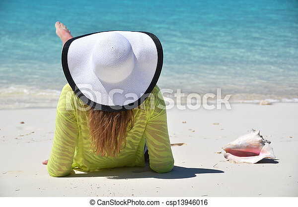 scena spiaggia - csp13946016