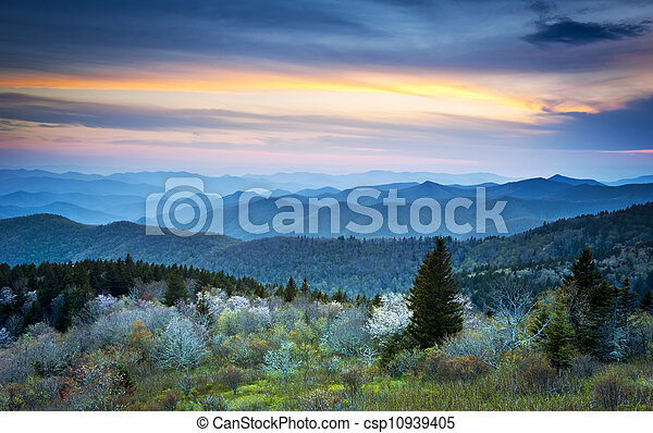 Scenic Blue Ridge Parkway Appalachians Smoky Mountains Spring Landscape with May blossoms - csp10939405