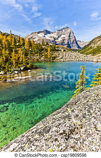 Scenic Lake O'hara of Yoho National Park - csp19809596