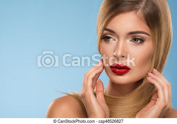 schöne , blaues, frau, aus, lippen, junger, hintergrund, porträt, sexy, rotes  - csp48526827