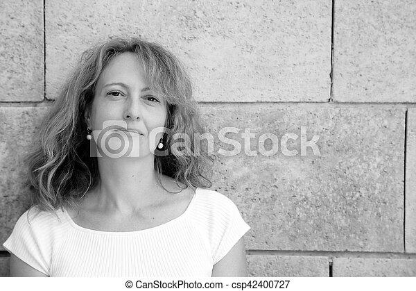 Frau aus 40 Jahren