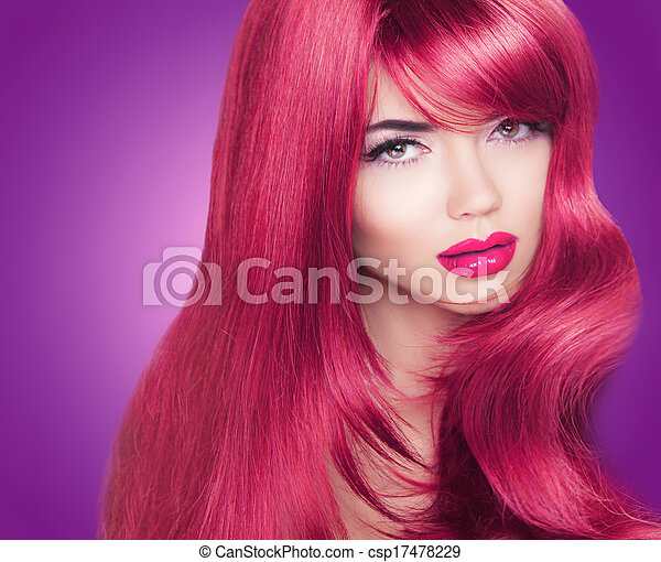 Rotes, langes, glänzendes Haar. Schöne Modefrauenporträt. Helles Make-up. Haare gefärbt - csp17478229