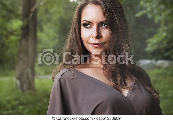 schöne frau, herbst, girl., fall., mode, portrait. - csp51388609