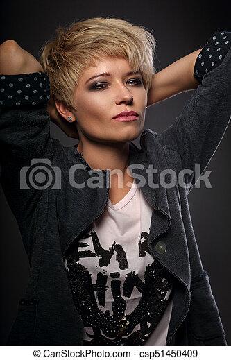 Schone Frisur Frau Kurz Grossspurig Blond Sexy Bob Schone