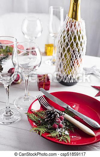 Schöne , gedeckter tisch , weihnachtsdekorationen. Schöne ...