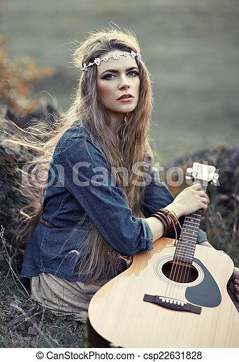 schöne , gitarre, m�dchen, hippie - csp22631828