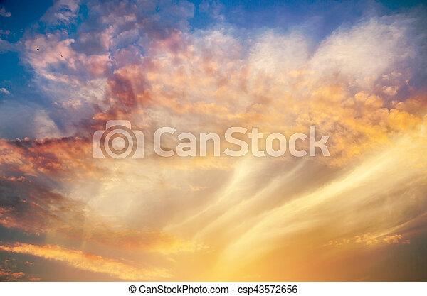 schöne , himmelsgewölbe - csp43572656