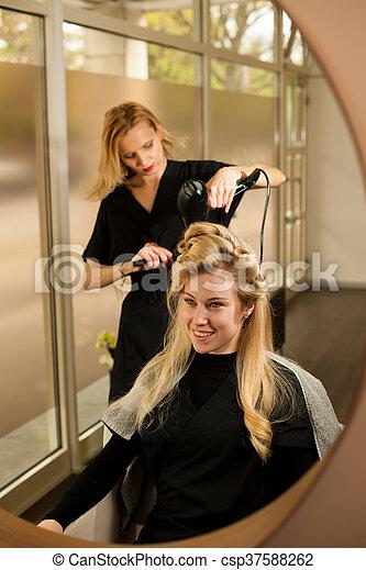 Schone frisuren beim friseur