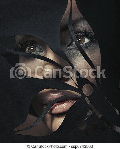 Ein Porträt einer wunderschönen Frau - csp6743568