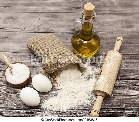 Schone Satz Rohe Eier Teig Karaffe Olive Segeltuch