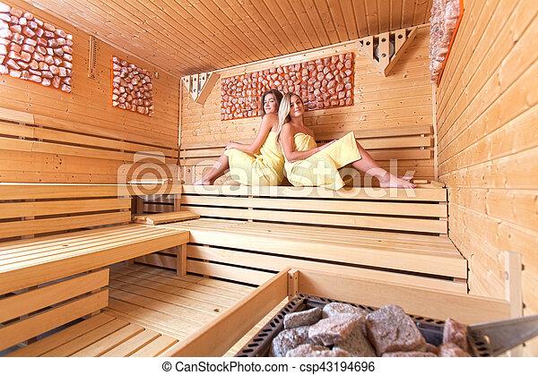 sch ne sauna frauen sch ne farbe shallow fokus steinen gebrauch m dels junger dof. Black Bedroom Furniture Sets. Home Design Ideas