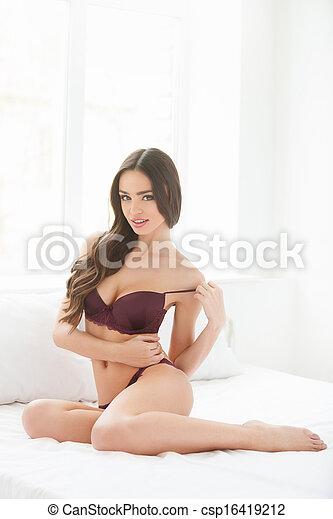 Wunderschöne Frauen auszuziehen