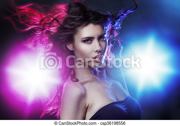 schöne , toning, brünett, tanz, inmitten, klub, junger, kultur, nacht, spotlight., porträt, effekt, m�dchen - csp36198556