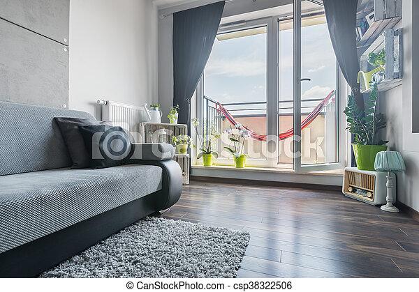 Schöne , wohnzimmer, balkon. Licht, sofa, kreativ ...