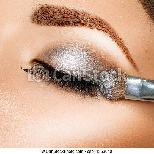 schaduw, eyeshadows., oog, borstel, make-up. - csp11353640